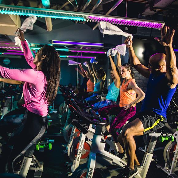 Crunch Fitness  0cdc7e185154e